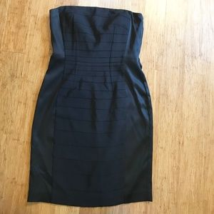 Size 4 ~ ANN TAYLOR LBD - Strapless Black Dress